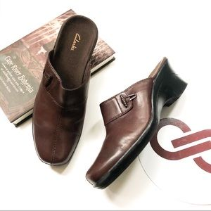 Clarks Brown Leather Slide Mule Clog Size 8